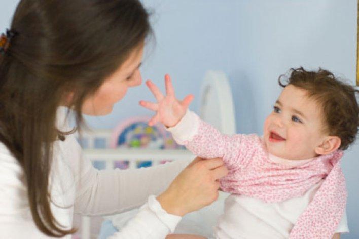 Lợi Ích Bất Ngờ Của Việc Tập Con Tự Mặc Quần Áo Không Phải Mẹ Nào Cũng Biết