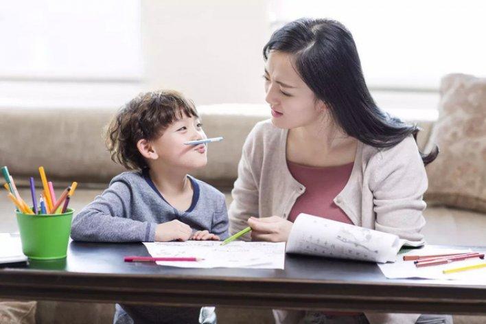 Những Đứa Trẻ Bướng Bỉnh Cãi Lý Là Có Tài Năng