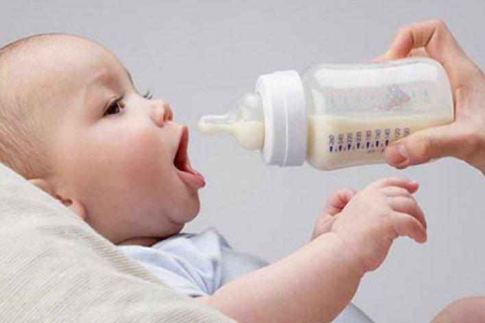 Sai Lầm Nhiều Mẹ Thường Mắc Phải Khi Pha Sữa Bột Cho Con