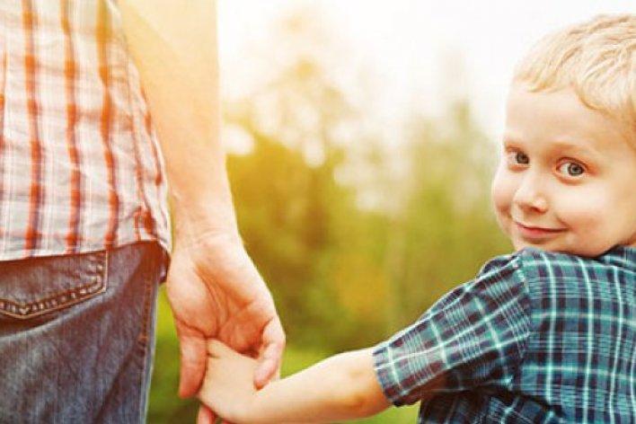 Trẻ Em Sẽ Thông Minh Hơn Khi Được Bố Quan Tâm