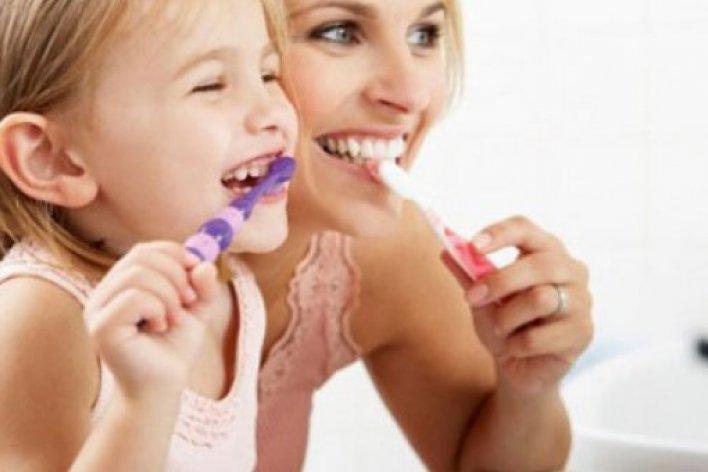 Vệ Sinh Răng Miệng Cho Bé Đúng Cách
