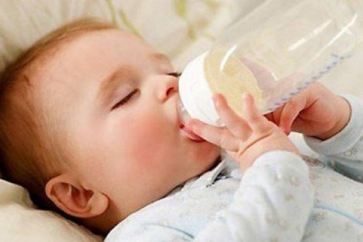 Vừa Ngủ Vừa Bú Bình: Bé Yêu 10 Tháng Tuổi Đột Tử