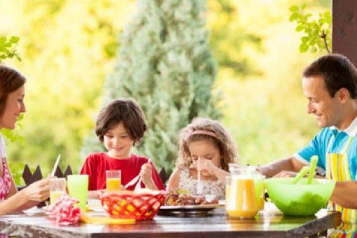 10 Nguyên Tắc Ăn Uống Giúp Con Không Biếng Ăn