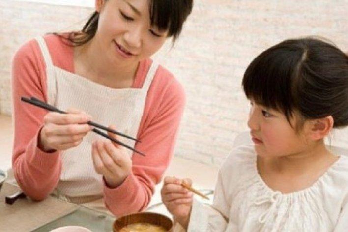 25 Điều Mẹ Cần Nhớ Để Dạy Con Ngoan