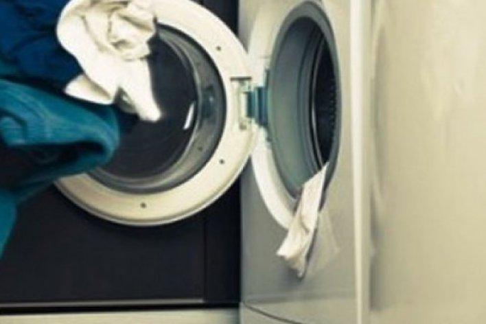 Bé 7 Tuổi Chết Ngạt Trong Máy Giặt