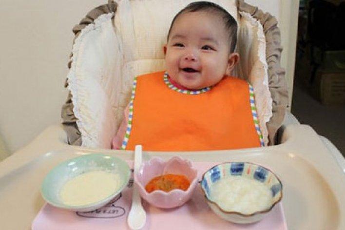 Bệnh Dễ Mắc Phải Khi Cho Con Ăn Dặm Sớm