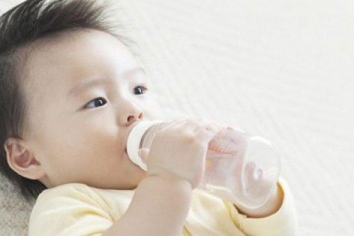 Trẻ Uống Bao Nhiêu Nước Mỗi Ngày Là Đủ