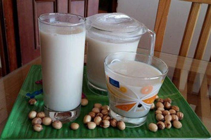 Cách Làm Sữa Sen Cho Con Giải Khát Ngày Hè