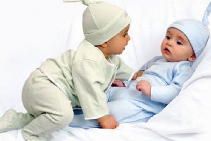 Tại Sao Trẻ Nhỏ Hay Bị Phân Sống, Đầy Bụng và Ốm Vặt?