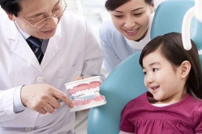 Bí Quyết Giúp Con Có Hàm Răng Đẹp Khi Thay Răng