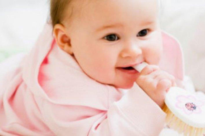 10 Hiểu Lầm Đáng Giật Mình Của Bố Mẹ Khi Con Bị Sốt