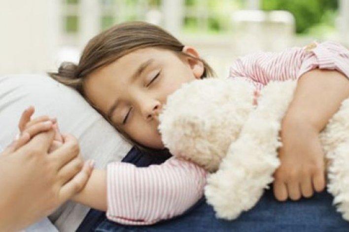 Đừng Ép Con Ăn Mà Hãy Cho Con Một Giấc Ngủ Ngon