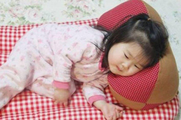 Trẻ Sơ Sinh Ngủ Gối Lá Đinh Lăng Sẽ Không Bị Giật Mình