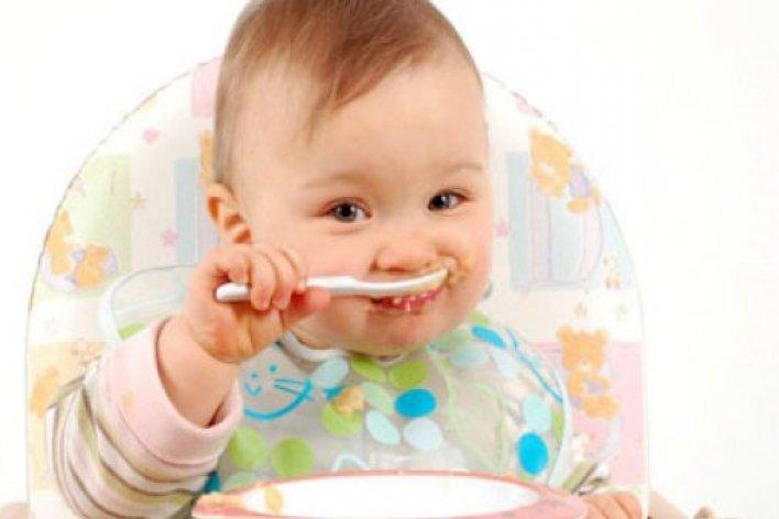 3 Lý Do Mẹ Tuyệt Đối Không Cho Thêm Muối Vào Thức Ăn Của Con