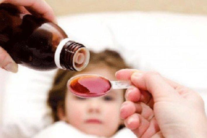 Nguy Hiểm Chết Người Khi Tự Ý Cho Con Uống Siro
