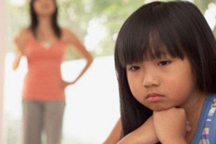 10 Kiểu Chọc Ghẹo Trẻ Em Xấu Xa Người Việt Hay Mắc Phải