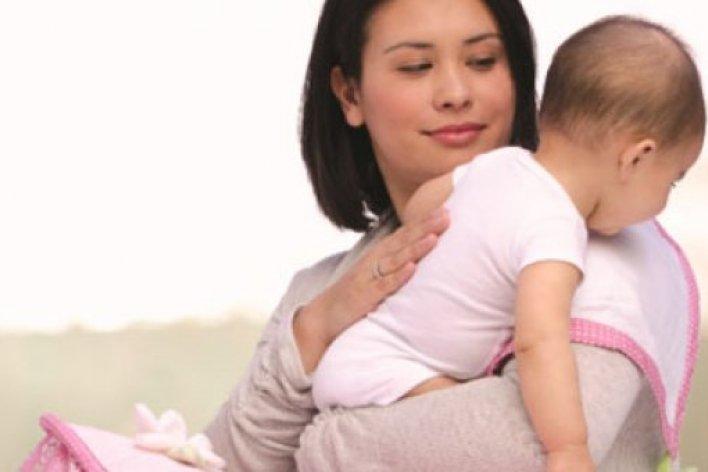 Mách Mẹ Cách Cho Bé Ợ Hơi Đúng Cách