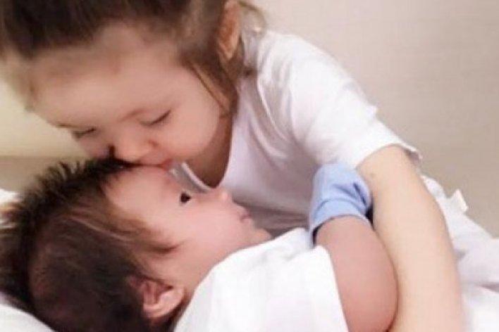 7 Lợi Ích Bất Ngờ Khi Sinh Con Thứ Hai