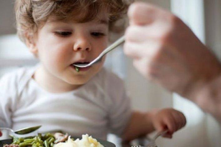 Bé Mấy Tháng Tuổi Thì Ăn Cơm Được Tập Bé Ăn Cơm Thế Nào