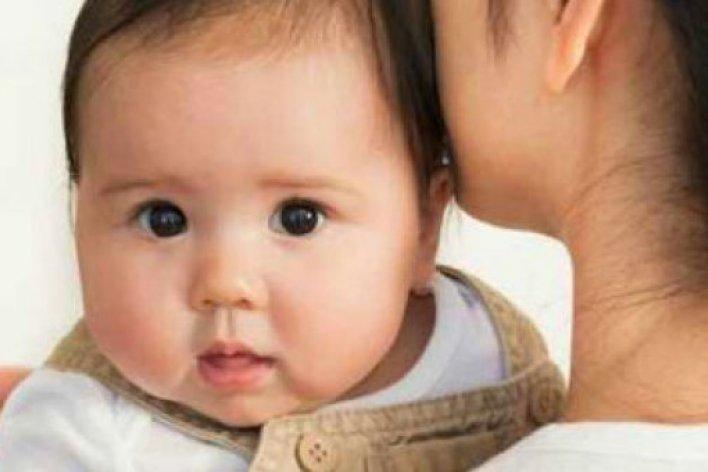 Chữa Mẹo Bằng Cách Sau Bé Sẽ Hết Ngay Nấc Cục
