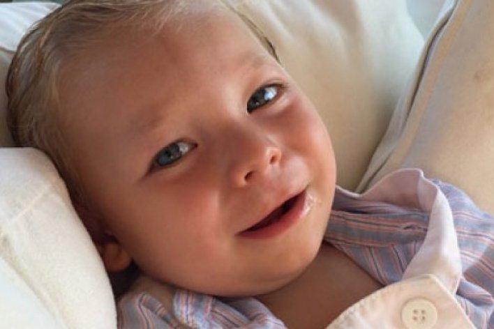 Hôn Môi Con 9 Tháng Sau Người Mẹ Này Hối Hận Vì Hại Con