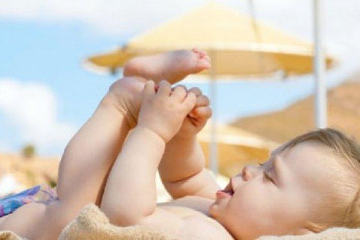 Cách Tắm Nắng Chuẩn Nhất Cho Trẻ SƠ SInh Mẹ Cần Biết