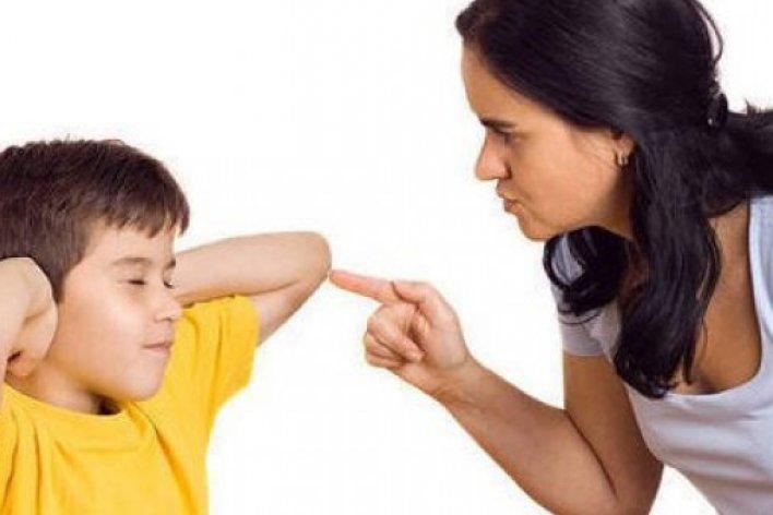 6 Điều Bố Mẹ Tuyệt Đối Nên Tránh Khi Dạy Con Bướng Bỉnh
