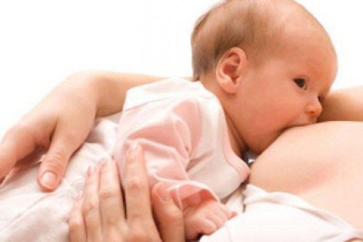 4 Lý Do Bắt Buộc Mẹ Phải Cho Bé Bú Sữa Non Ngay Sau Sinh
