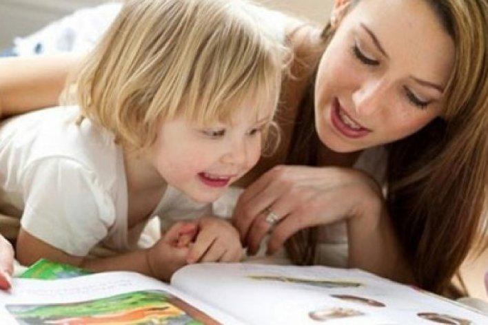 Ba Mẹ Đọc Sách Mỗi Ngày Con Lớn Lên Sẽ Thông Minh
