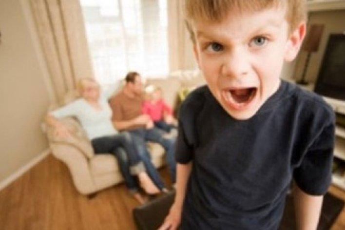 Bé Bị Tăng Động Giảm Chú Ý Bố Mẹ Cần Quan Tâm
