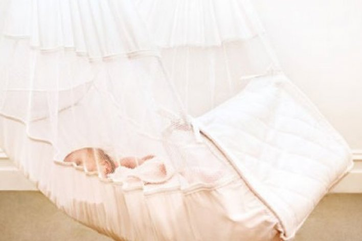Những Nguy Hiểm Khôn Lường Khi Cho Con Ngủ Võng