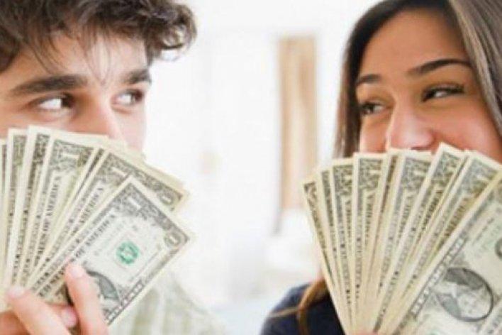 Không Gì Sướng Bằng Để Vợ Giữ Tiền