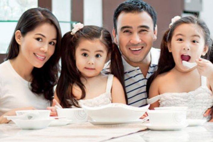 Nếu Muốn Hạnh Phúc Hãy Sinh 2 Con Gái Nhé Các Bố Mẹ
