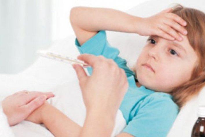 Trẻ Sốt Cao Dễ Tổn Thương Não Nếu Mẹ Không Kịp Thời Xử Trí