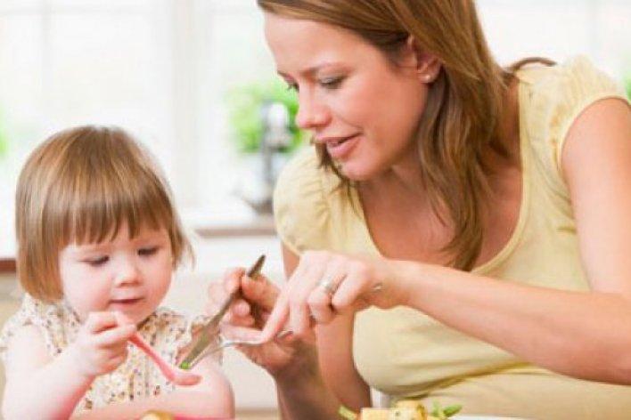 Bác Sĩ Trí Đoàn : Làm Sao Để Trẻ Hết Biếng Ăn