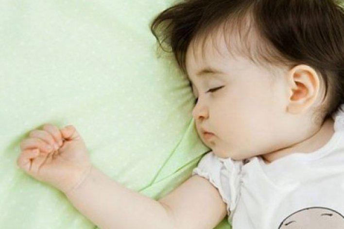 Mách Mẹ Bí Quyết Trị Nghẹt Mũi Giúp Bé Ngủ Ngon