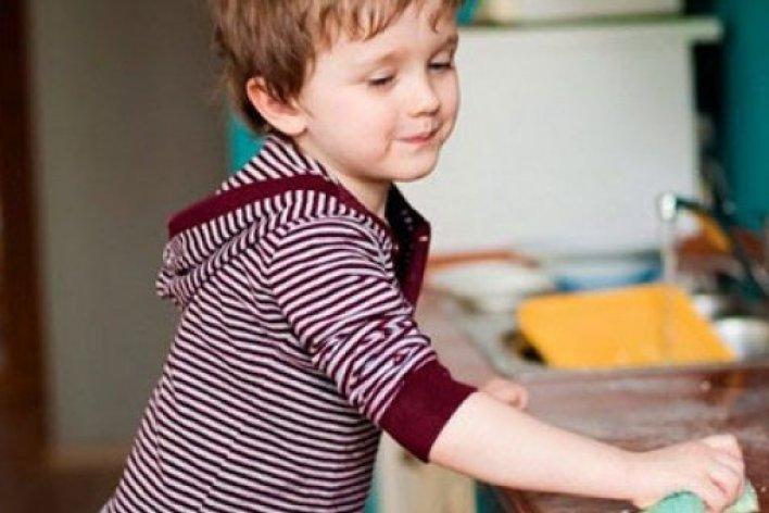Dạy Con Làm Việc Nhà Là Rèn Tính Tự Lập Cho Con Từ Khi Còn Nhỏ