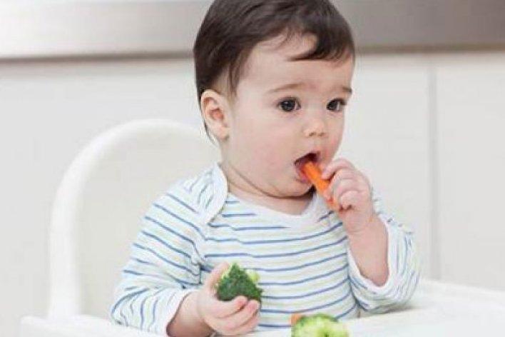 Mách Mẹ Bí Quyết Tập Cho Con Ăn Rau Củ Quả Giỏi Nhất