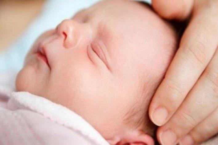 4 Nguyên Nhân Khiến Trẻ Sinh Sinh Giật Mình Khóc Thét Giữa Đêm