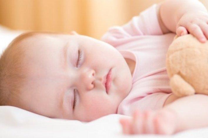 6 Lỗ Bố Mẹ Nào Cũng Mắc Phải Khi Cho Bé Ngủ