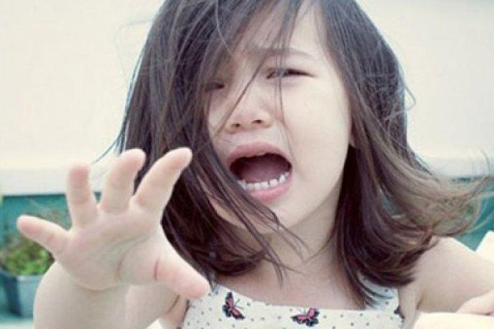 La Mắng Doạ Dẫm Con Chỉ CHứng Tỏ Bạn Là Một Bà Mẹ Kém Cỏi