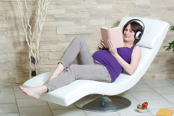Top Những Quyển Sách Hay Mẹ Bầu Nào Cũng Nên Đọc Để Tốt Cho Bé