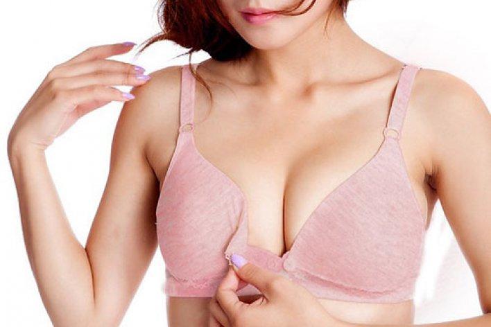 Bật Mí Bí Quyết Giúp Mẹ Không Bị Ngực Chảy Xệ Khi Cho Con Bú