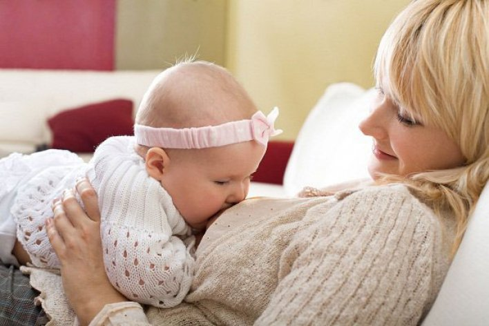 10 Điều Đơn Giản Mẹ Cần Làm Để Có Nhiều Sữa Cho Con