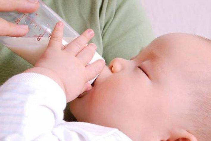 7 Điều Cấm Kỵ Khi Pha Sữa Cho Con Mẹ Nào Cũng Phải Thuộc Lòng