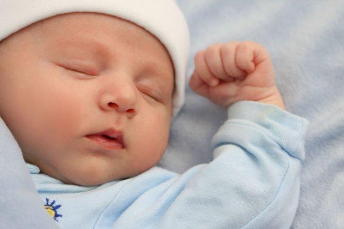 Mách mẹ 4 Bước Cho Bé Yêu Ngủ Ngon Không Còn Thao Thức Cả Đêm