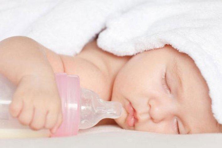 Lý Do Trẻ Sơ Sinh Tăng Cân Chậm Mẹ Cần Lưu Ý