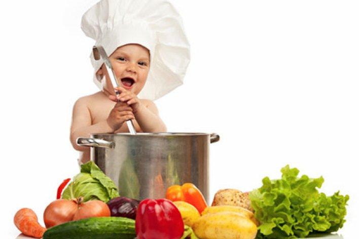 Top 5 Thực Phẩm Không Được Cho Bé Ăn Mẹ Cần Lưu Ý