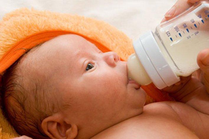 10 Cách Chăm Sóc Trẻ Sơ Sinh Được Chị Em Hay Truyền Nhau Nhưng Lại Sai Bét