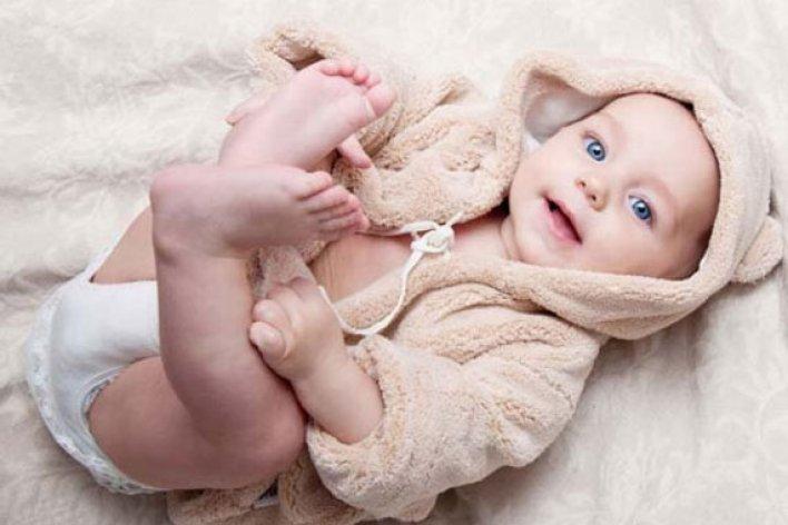 Lưu Ý Khi Giữ Ấm Cho Trẻ Sơ Sinh Trong Mùa Lạnh